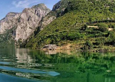 liqeni i komanit